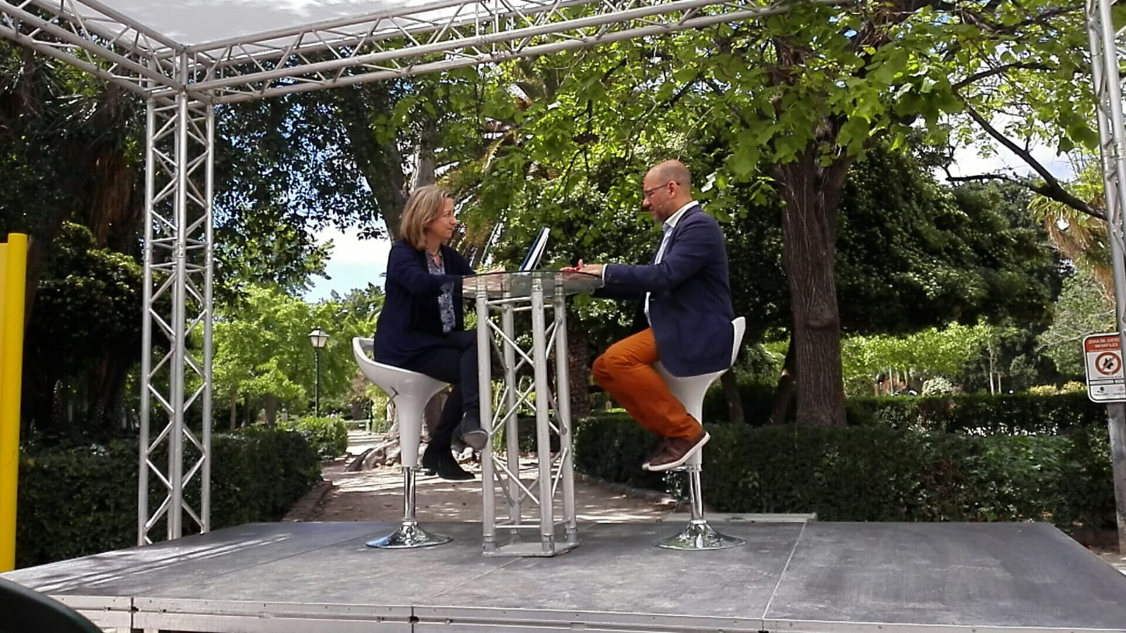 Entrevista-TV-Feriadellibro-Valencia-FelicidadTendencial